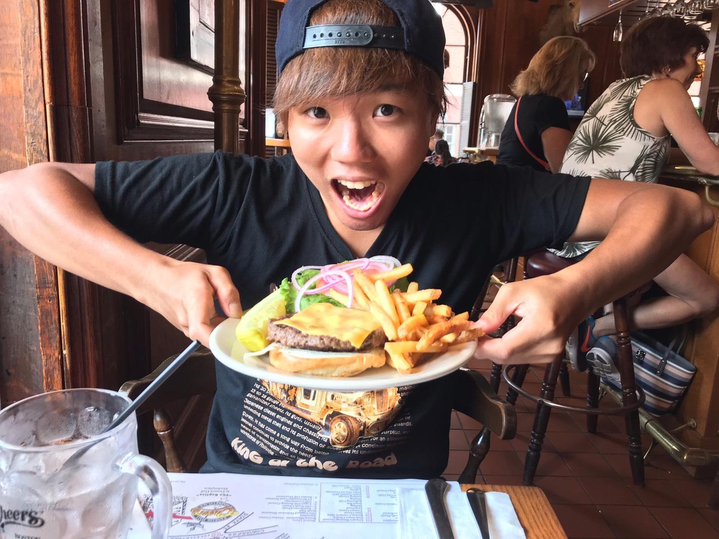 アメリカ横断中にボストンでハンバーガーを食べた写真