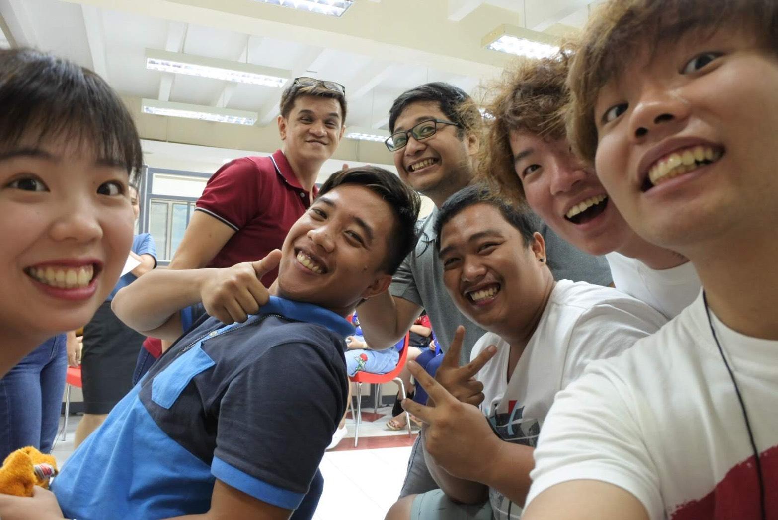 フィリピンの大学生と交流